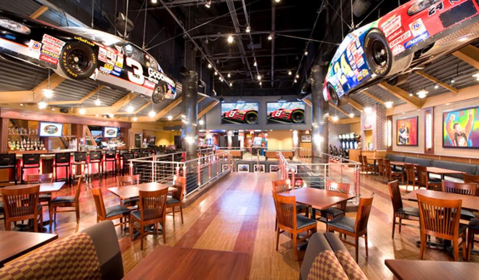 Dining-Room-Hospitality-Interior-Design-of-NASCAR-Sport-Grille-Orlando